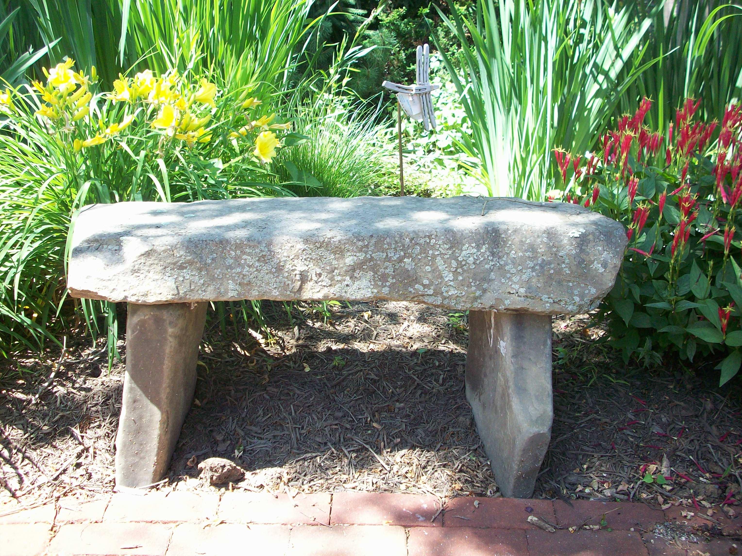 Садовые скамейки из камня своими руками