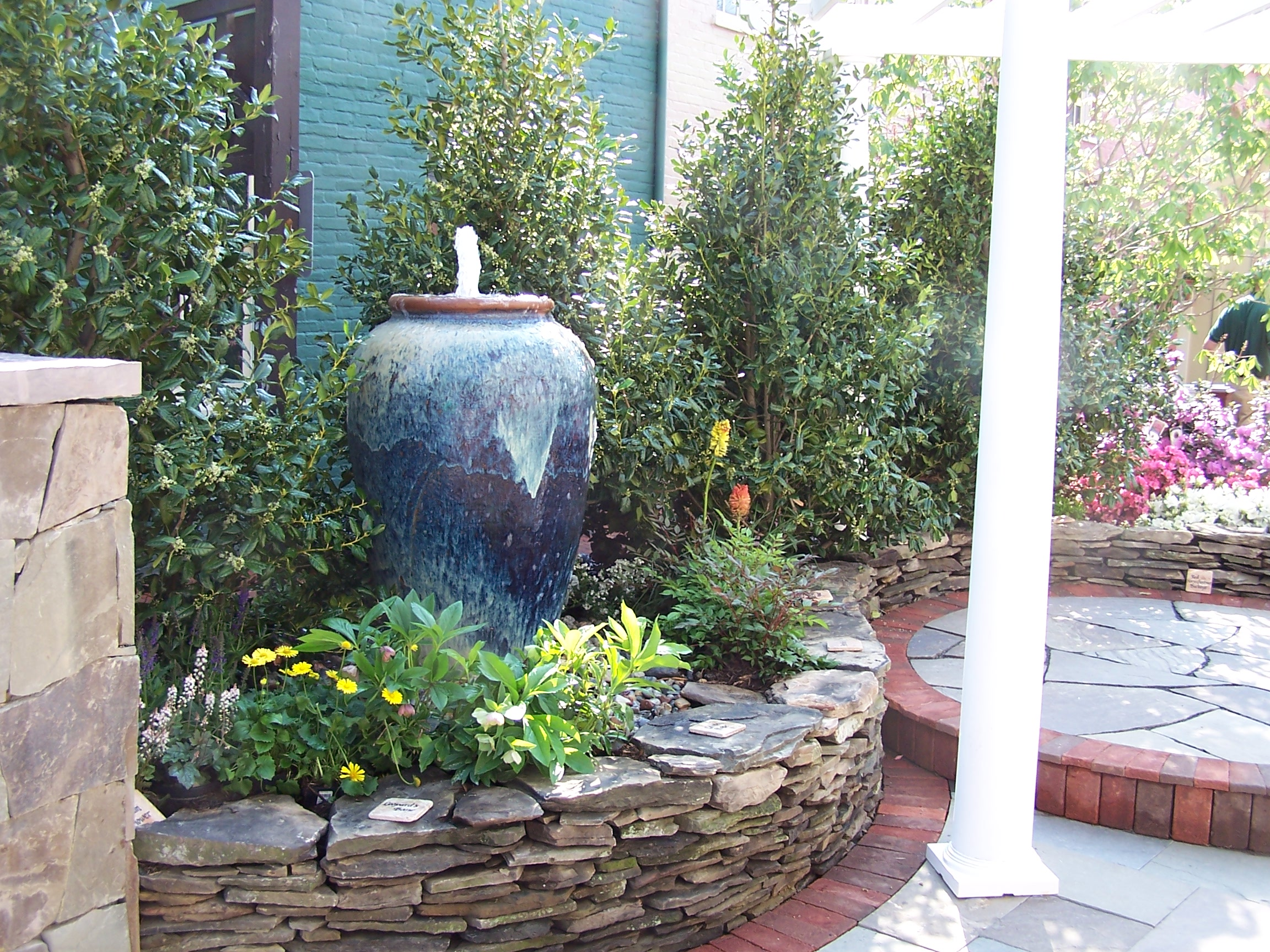 Main street landscape landscape design patios for Garden fountain designs