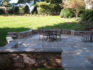 Wet-laid flagstone patio